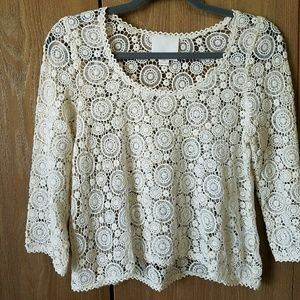 Aryn K lace cropped top with 3/4 sleeves